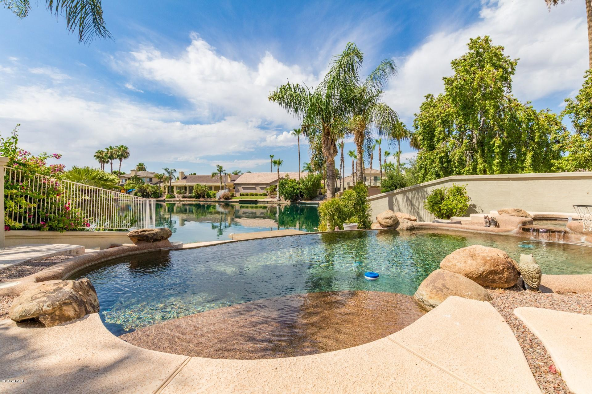 Photo of 1709 E COCO PALM Court, Gilbert, AZ 85234