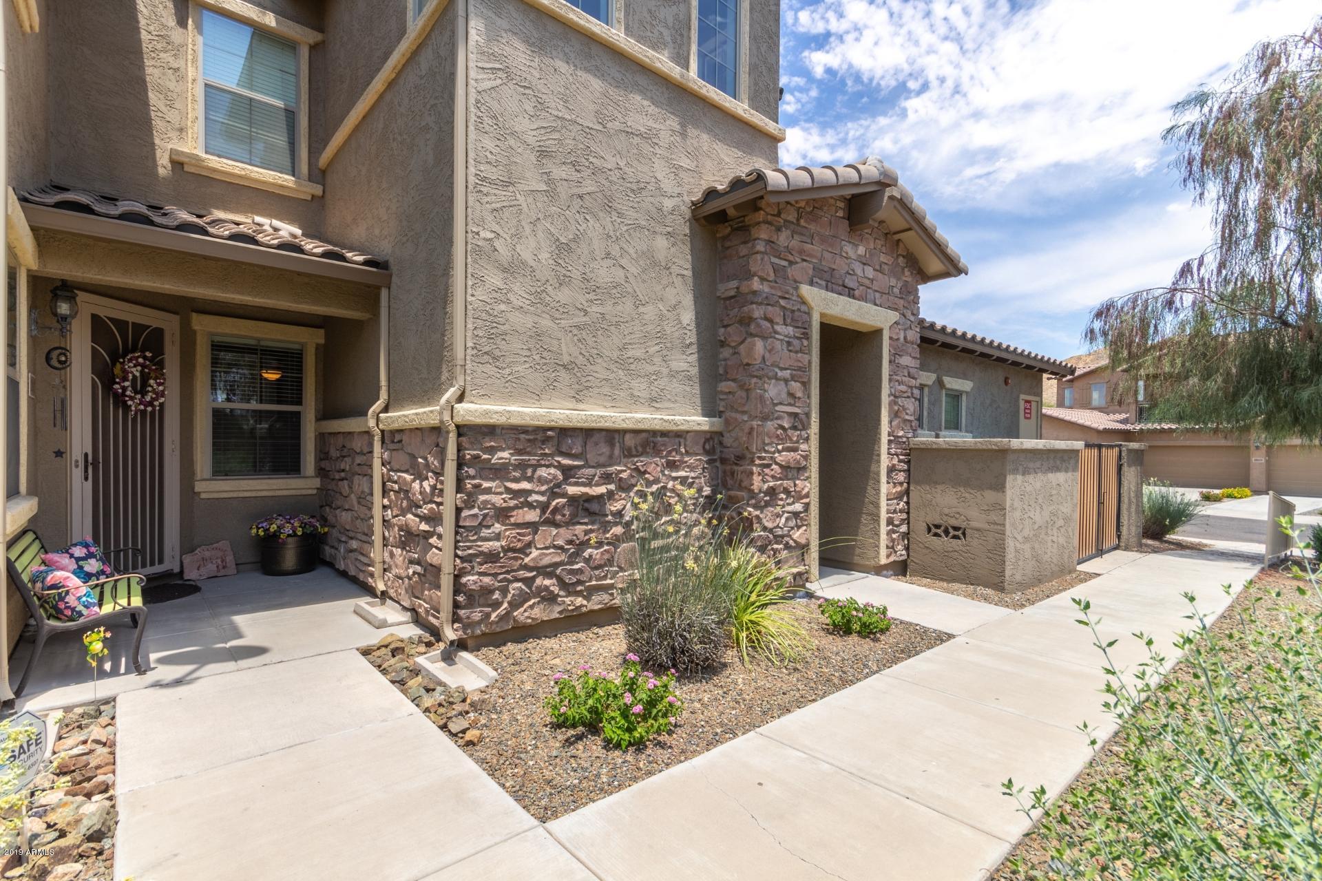 Photo of 2121 W TALLGRASS Trail #127, Phoenix, AZ 85085