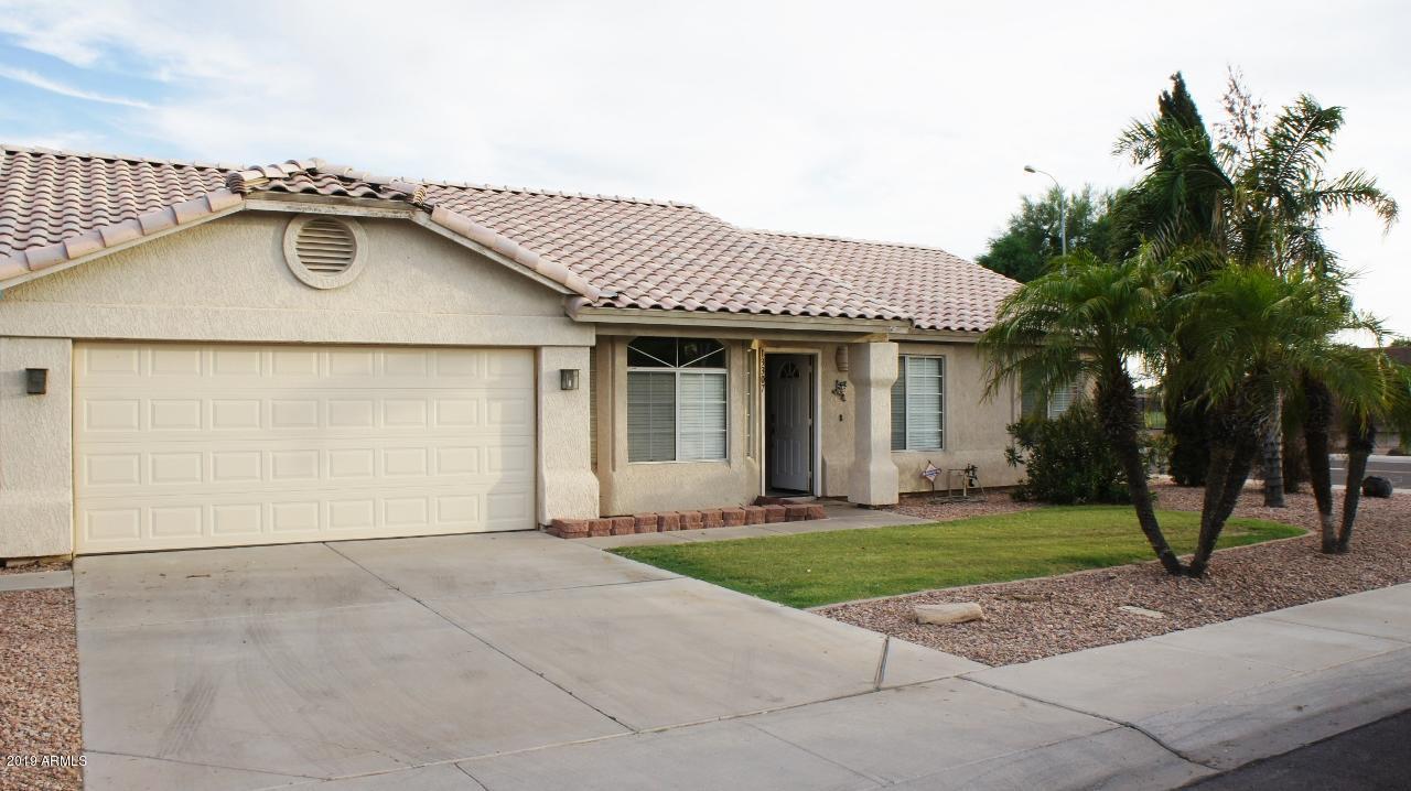 Photo of 13307 E BUTLER Street, Chandler, AZ 85225