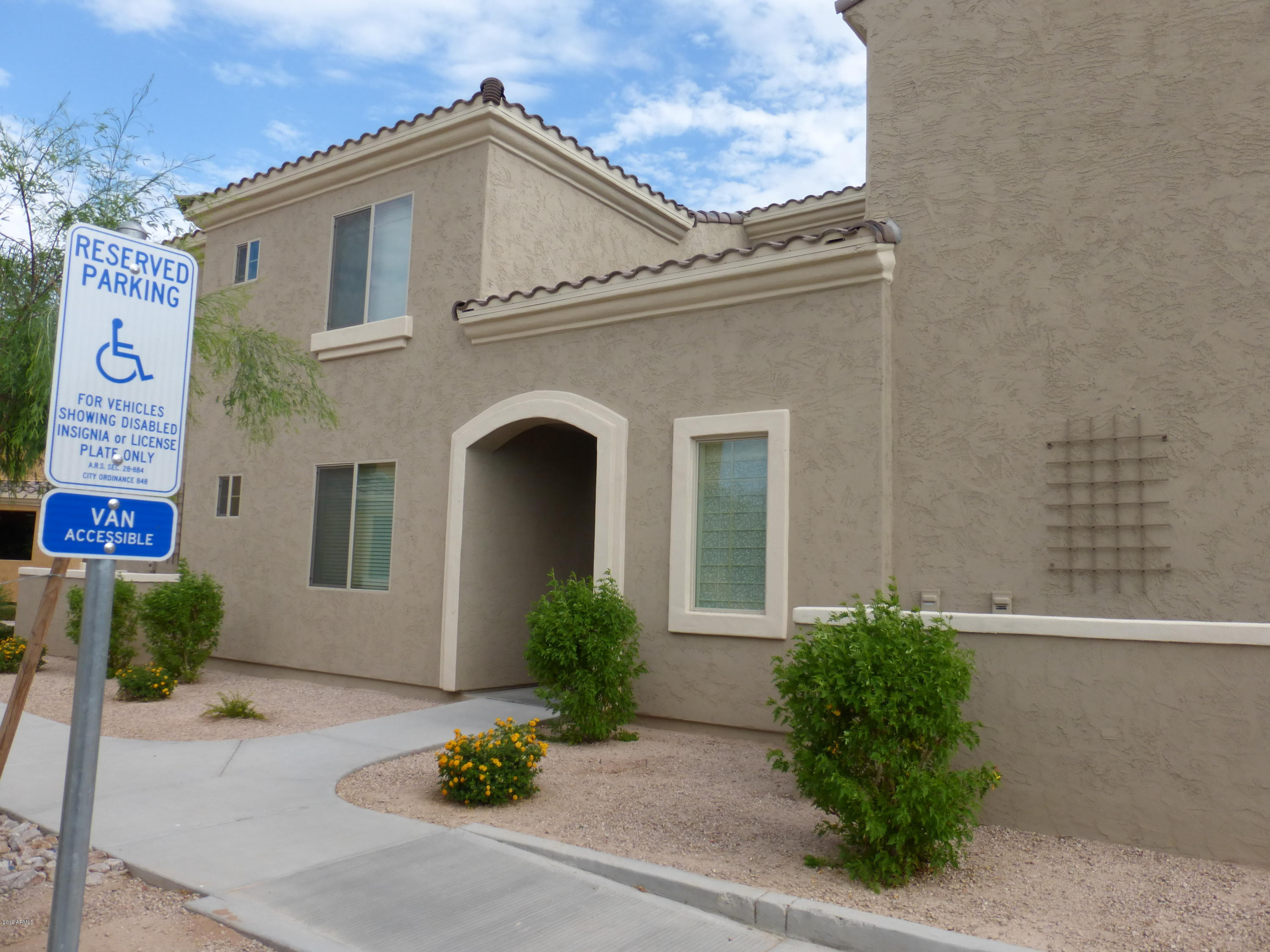 Photo of 900 S CANAL Drive #216, Chandler, AZ 85225