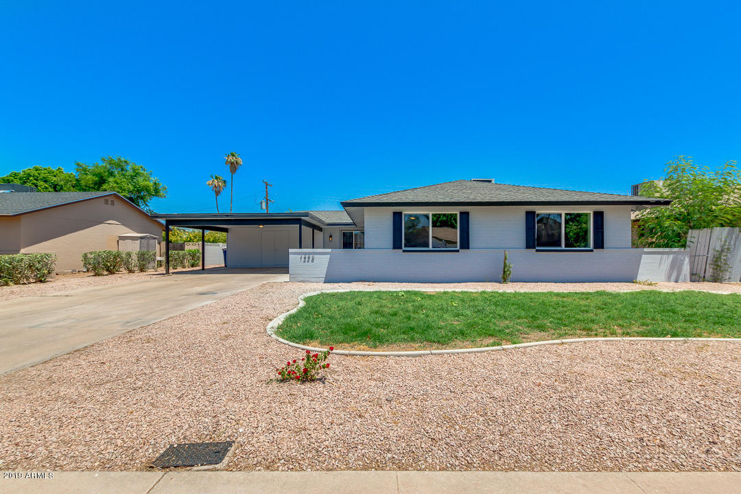 Photo of 1236 E MANHATTON Drive, Tempe, AZ 85282