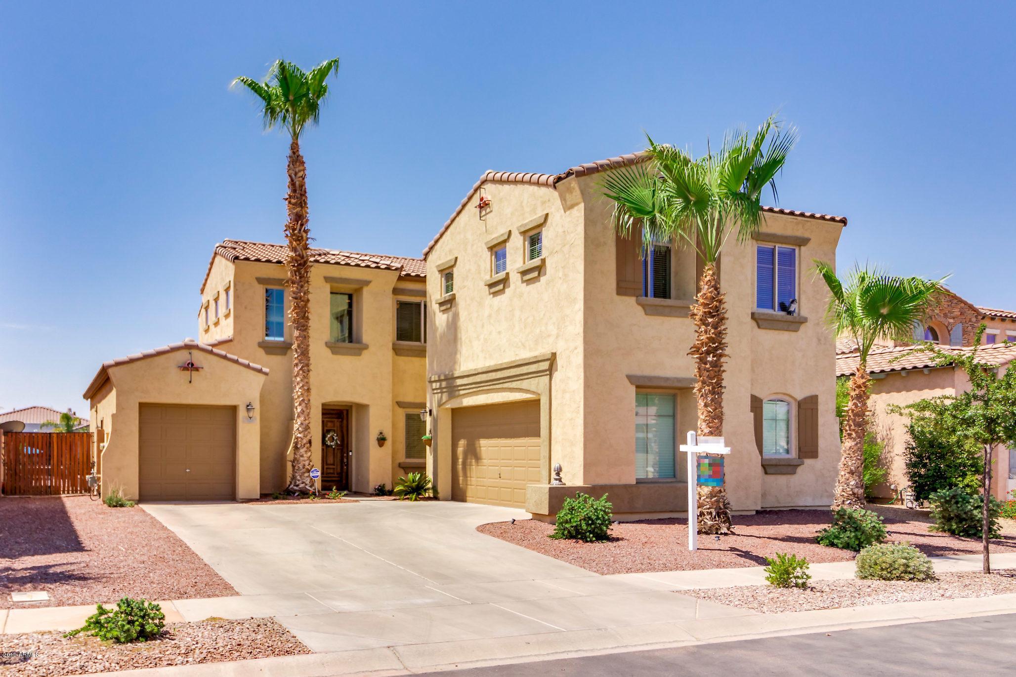 Photo of 721 E INDIAN WELLS Place, Chandler, AZ 85249