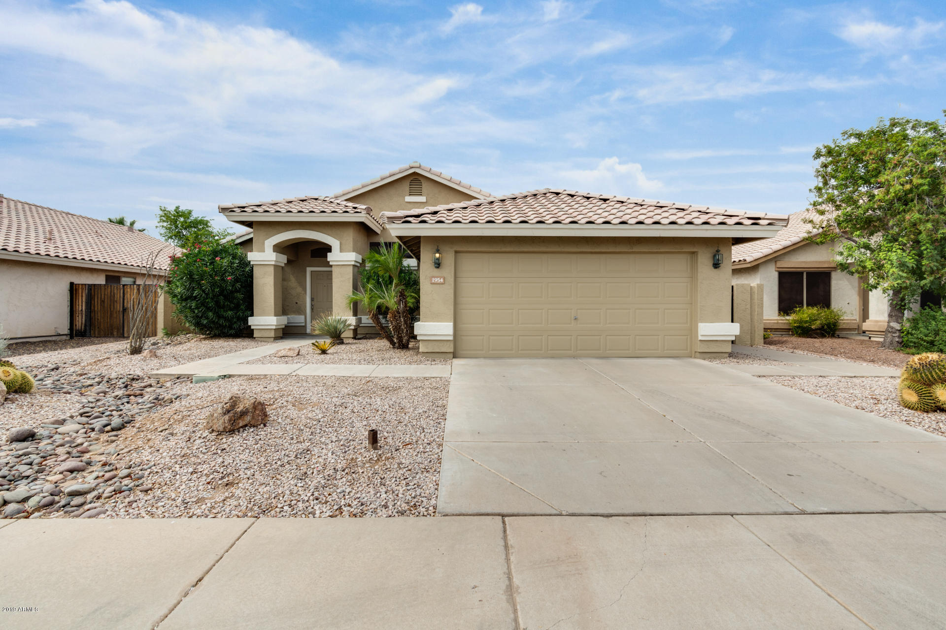 Photo of 1954 W MOCKINGBIRD Drive, Chandler, AZ 85286