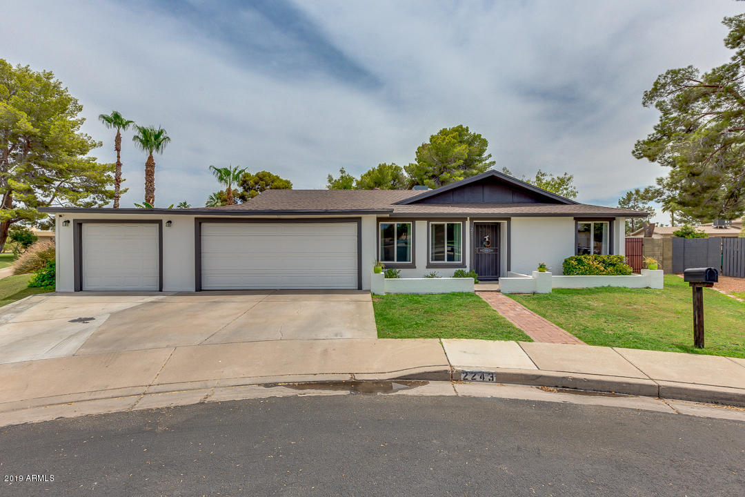 Photo of 2243 W JAVELINA Avenue, Mesa, AZ 85202