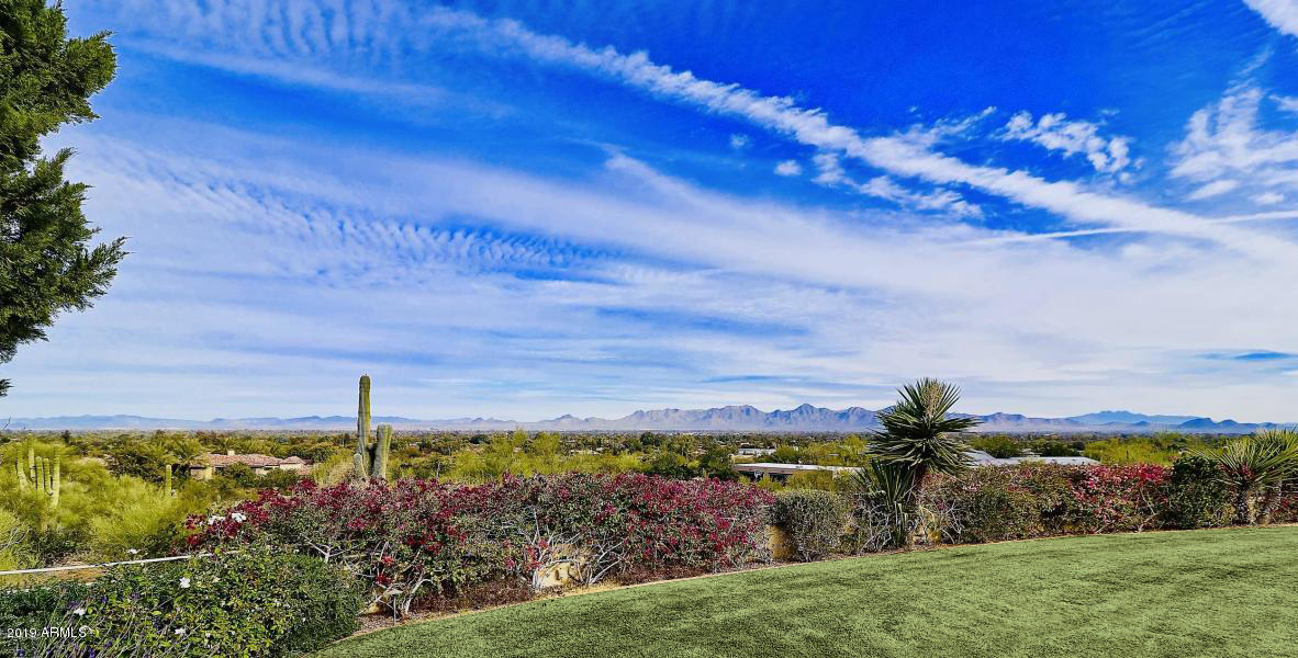 8020 N MUMMY MOUNTAIN Road, one of homes for sale in Paradise Valley