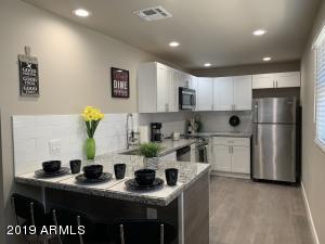 1215 N 47TH Place, Phoenix, AZ 85008
