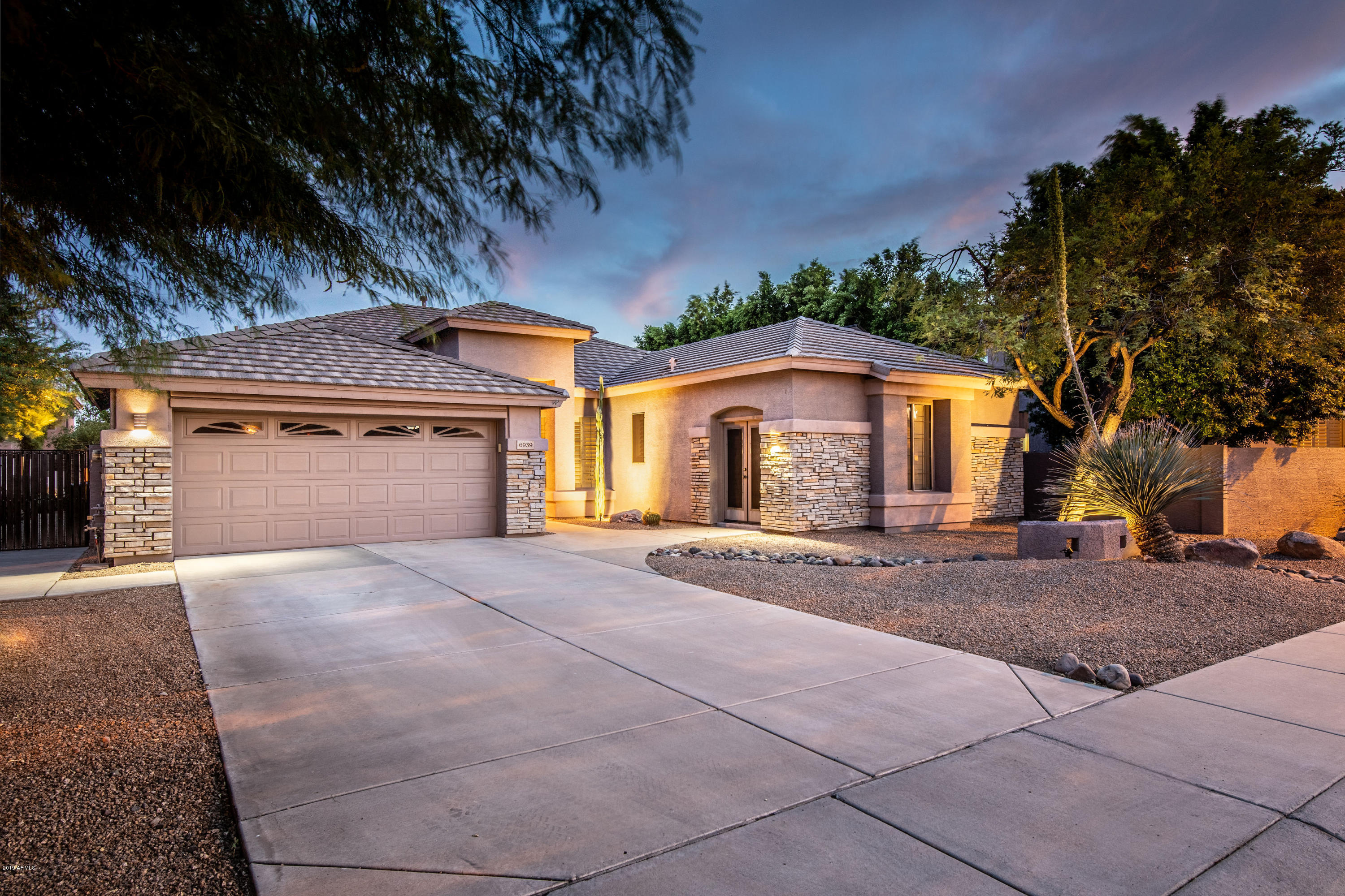 6939 W LARIAT Lane, Peoria in Maricopa County, AZ 85383 Home for Sale