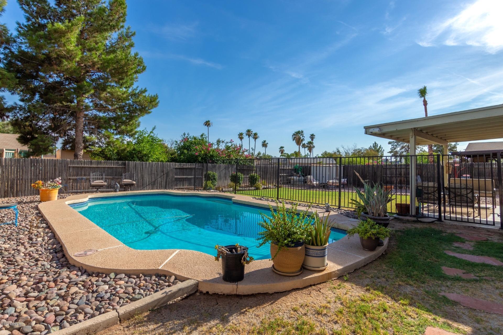 Photo of 613 W EMERALD Avenue, Mesa, AZ 85210
