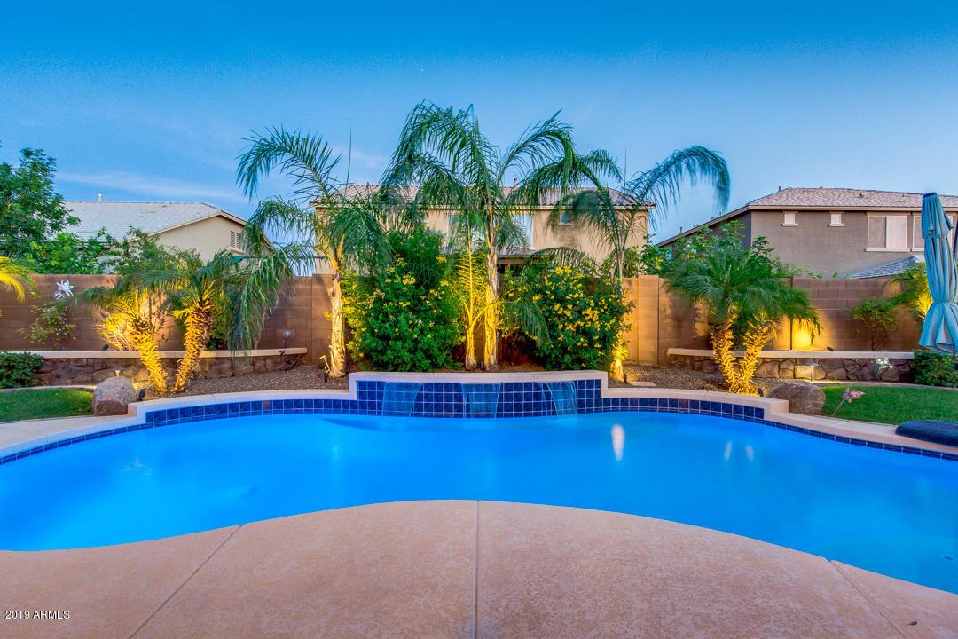 Photo of 2175 E LA COSTA Drive, Gilbert, AZ 85298