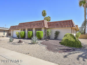 10706 W PINION Lane, Sun City, AZ 85373