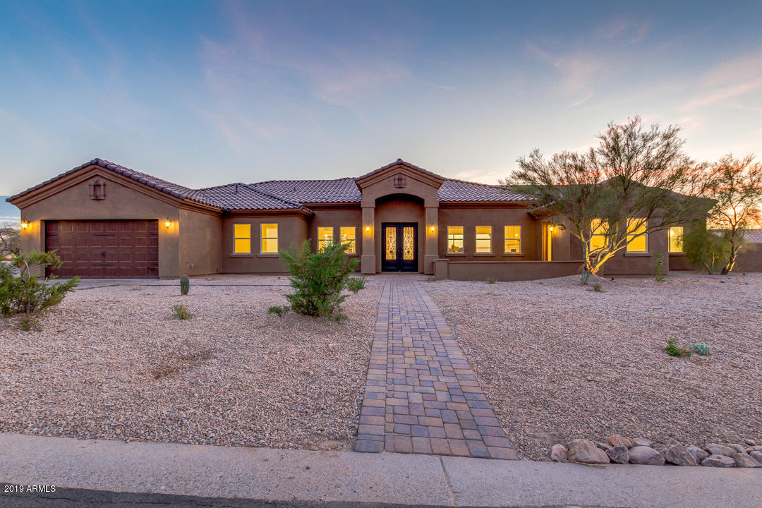 Photo of 11336 S SAN ROBERTO Drive, Goodyear, AZ 85338