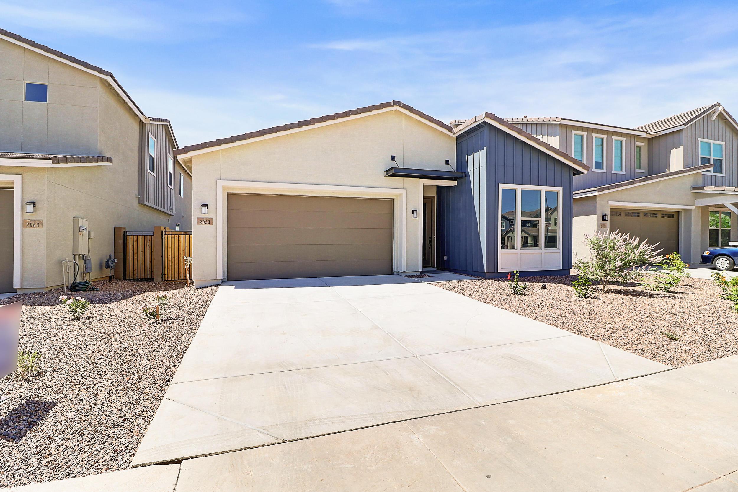 Photo of 2053 E LANTANA Drive, Chandler, AZ 85286