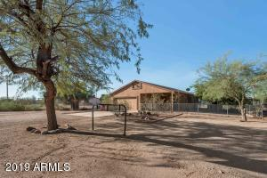 944 N MERIDIAN Road, Apache Junction, AZ 85120