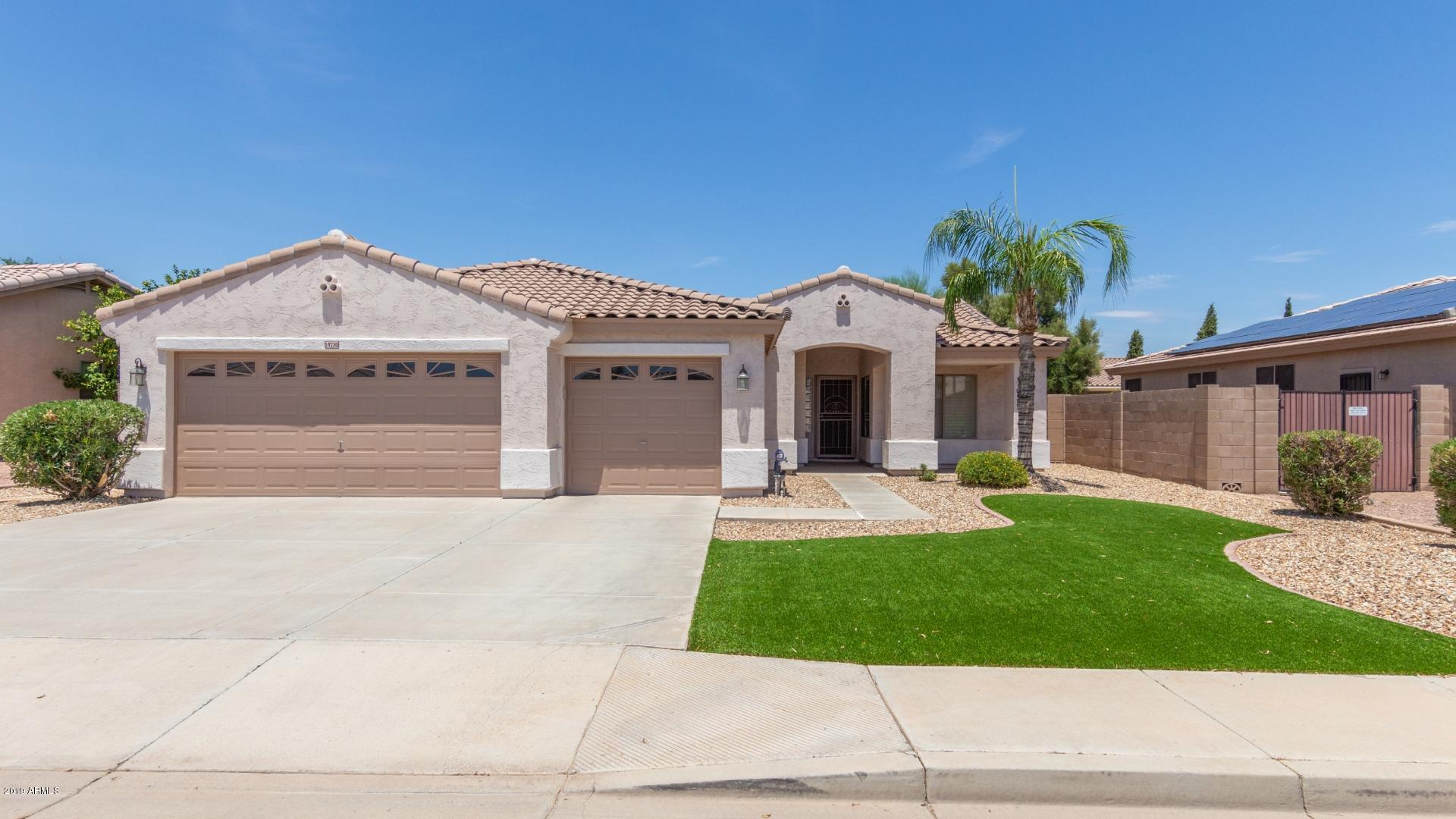 14730 W CROCUS Drive, Surprise, Arizona