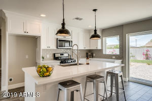 6431 E SHERIDAN Street, Scottsdale, AZ 85257