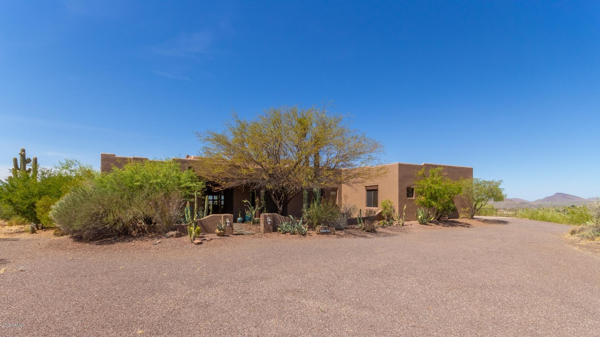 Photo of 7191 E ROCKAWAY HILLS Drive, Cave Creek, AZ 85331