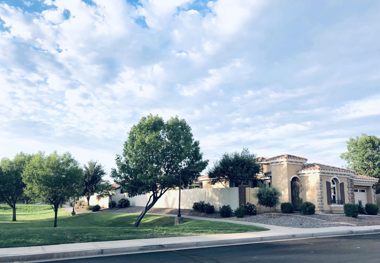 Photo of 2382 E Dogwood Drive, Chandler, AZ 85286
