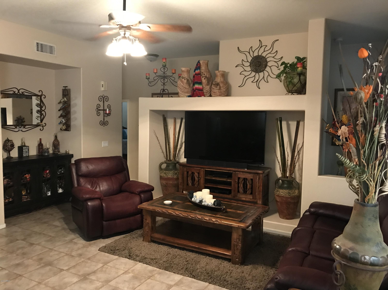 Photo of 2275 W OLIVE Way, Chandler, AZ 85248