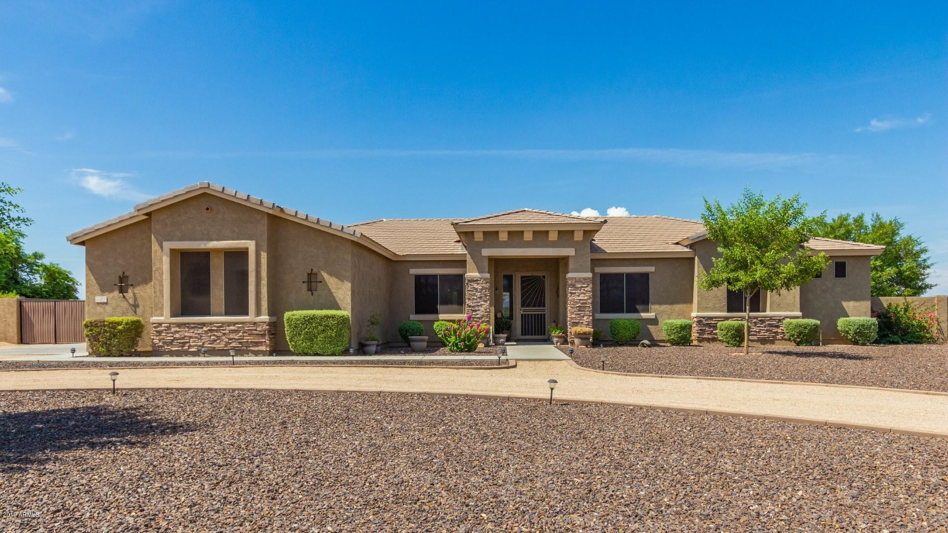 Photo of 22814 W MARK Lane, Wittmann, AZ 85361