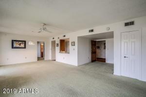 10330 W THUNDERBIRD Boulevard, B209, Sun City, AZ 85351