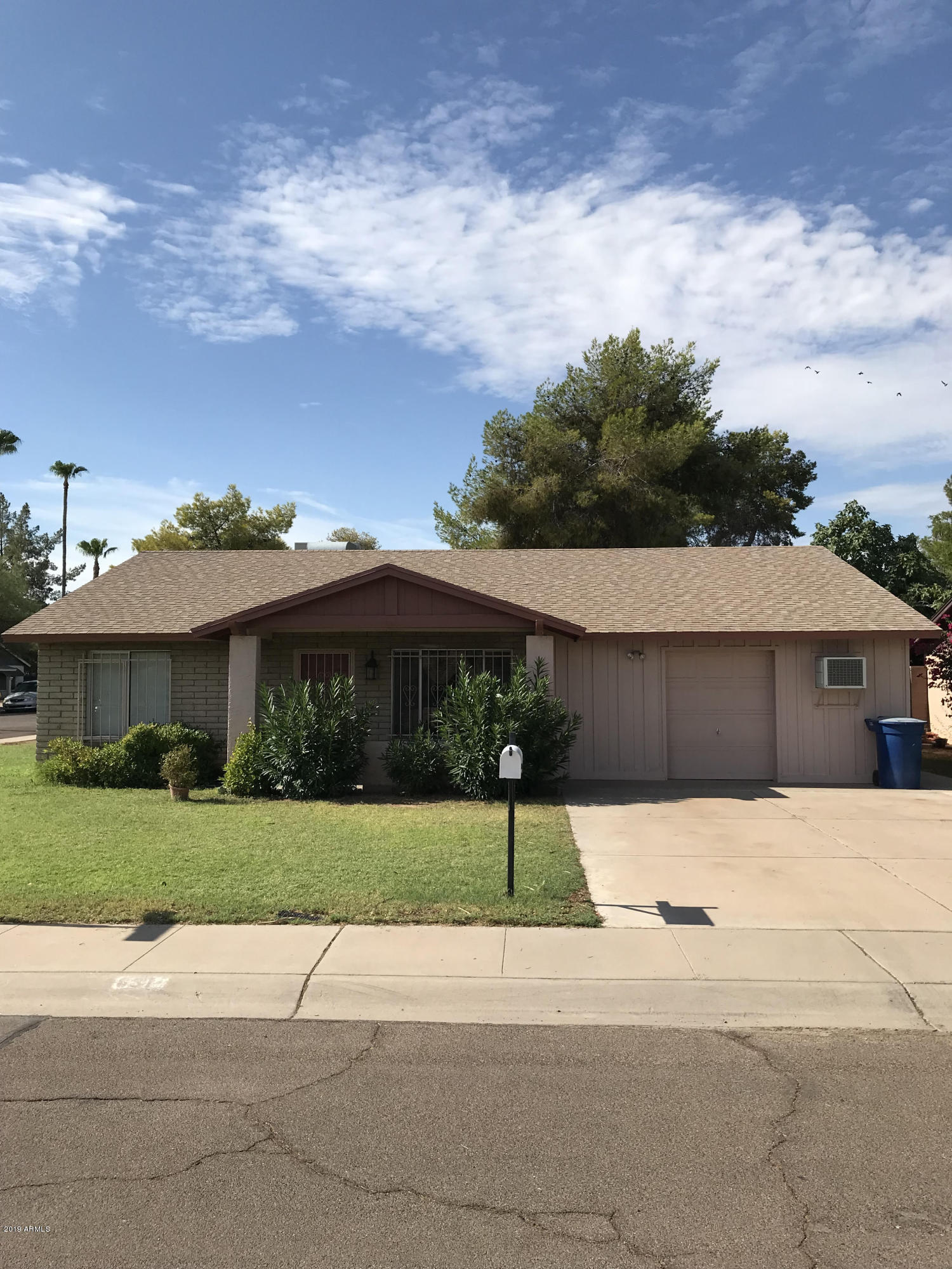 Photo of 631 E JULIE Drive, Tempe, AZ 85283