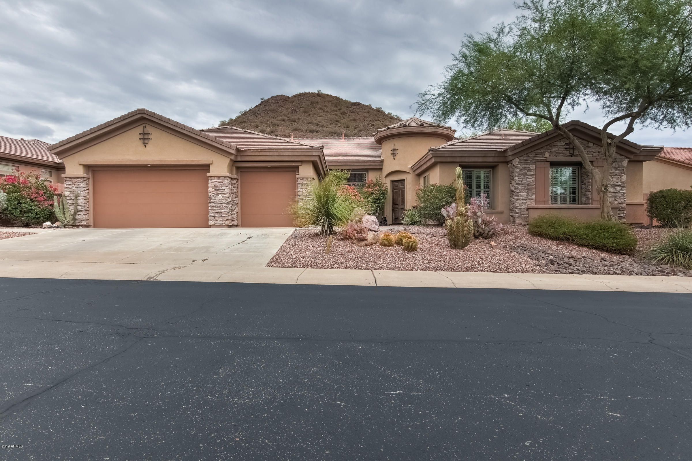 1536 W Silver Pine Drive, Anthem, Arizona