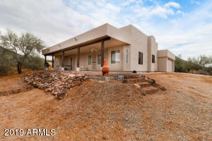 2110 E CIRCLE MOUNTAIN Road, New River, AZ 85087