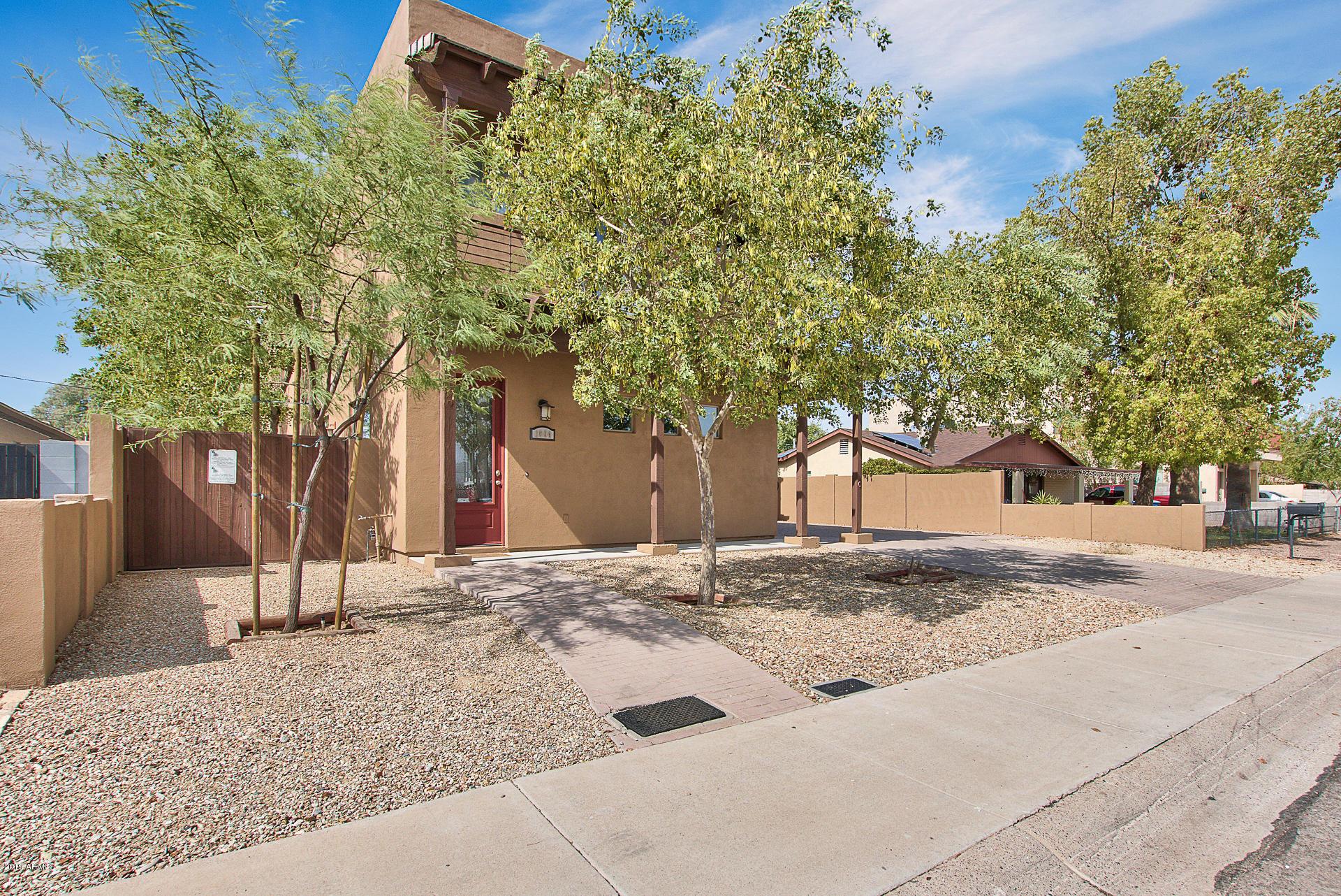 Photo of 1004 E TEMPE Drive, Tempe, AZ 85281