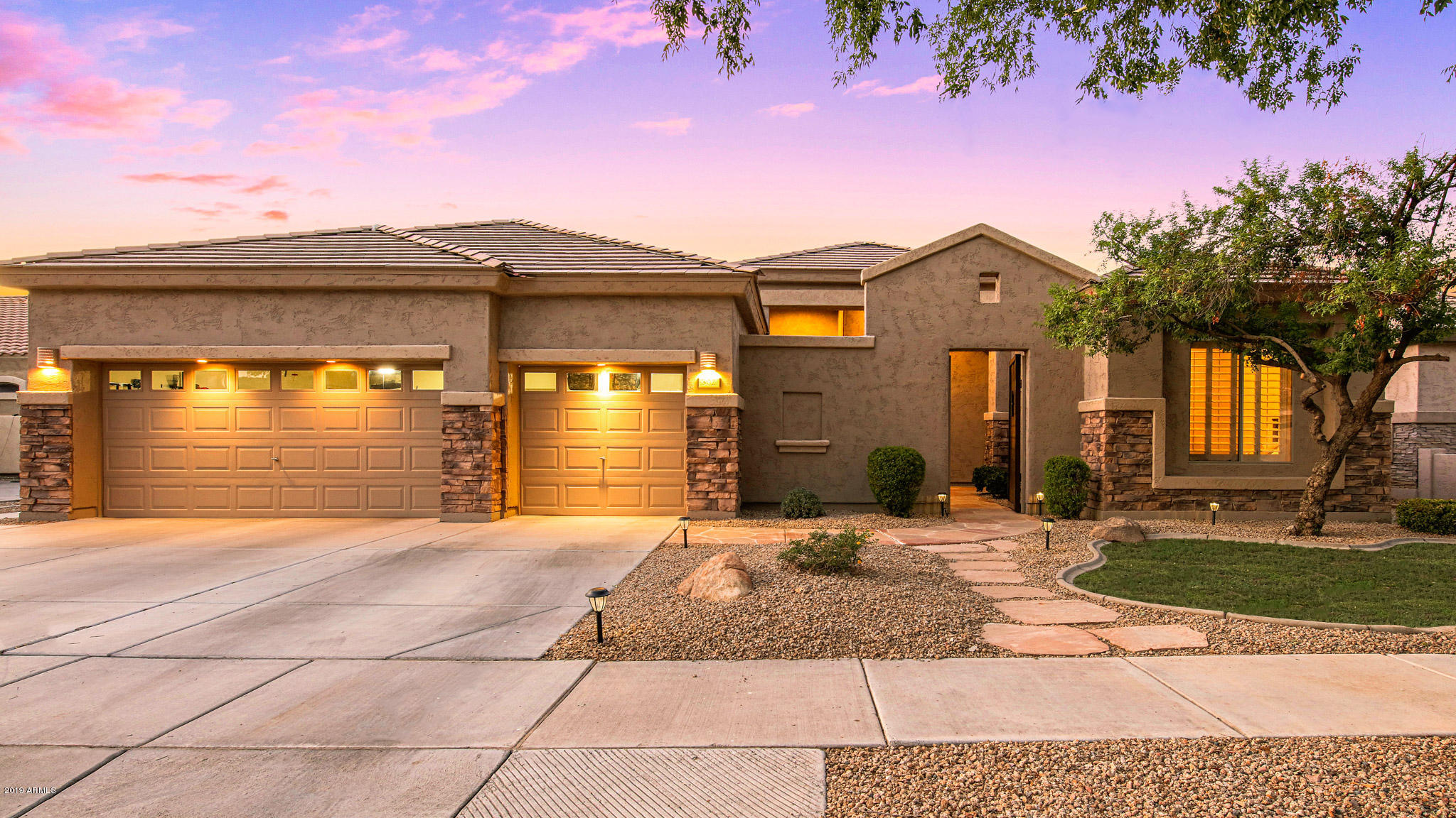 Photo of 302 W MACAW Drive, Chandler, AZ 85286