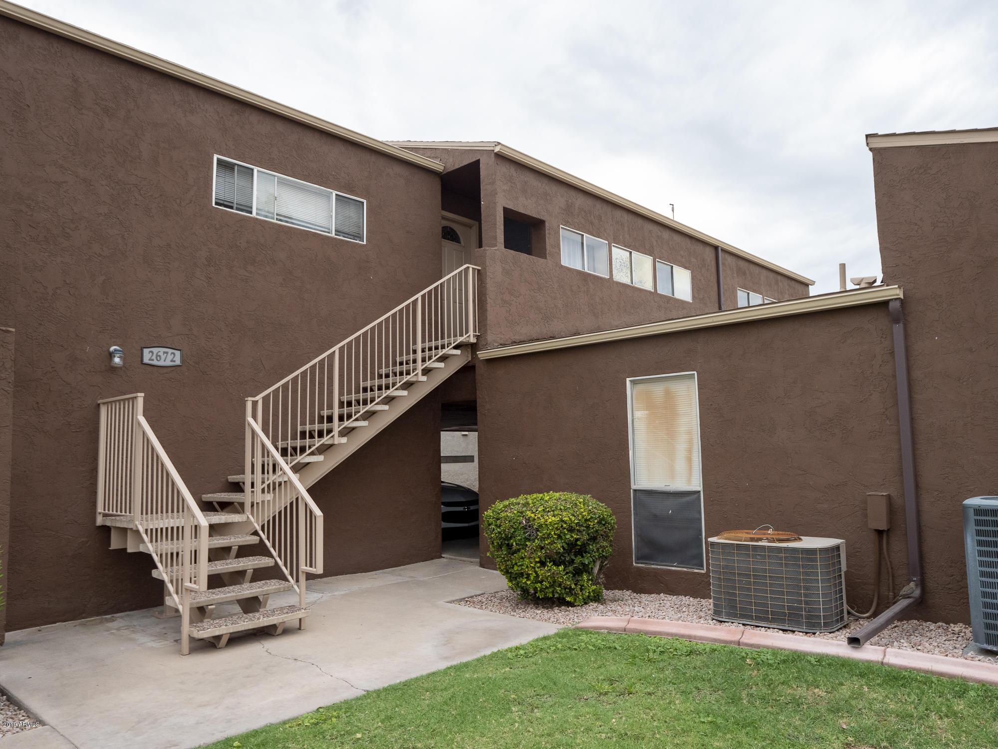 Photo of 2672 E OAKLEAF Drive, Tempe, AZ 85281