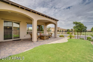 706 E LA PALTA Street, San Tan Valley, AZ 85140