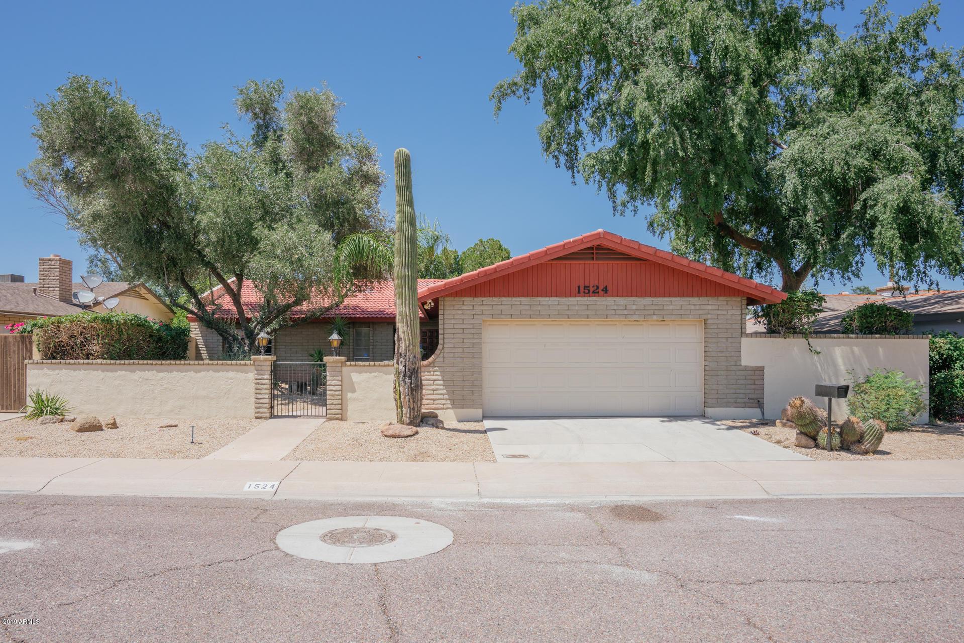 Photo of 1524 W GLENN Drive, Phoenix, AZ 85021