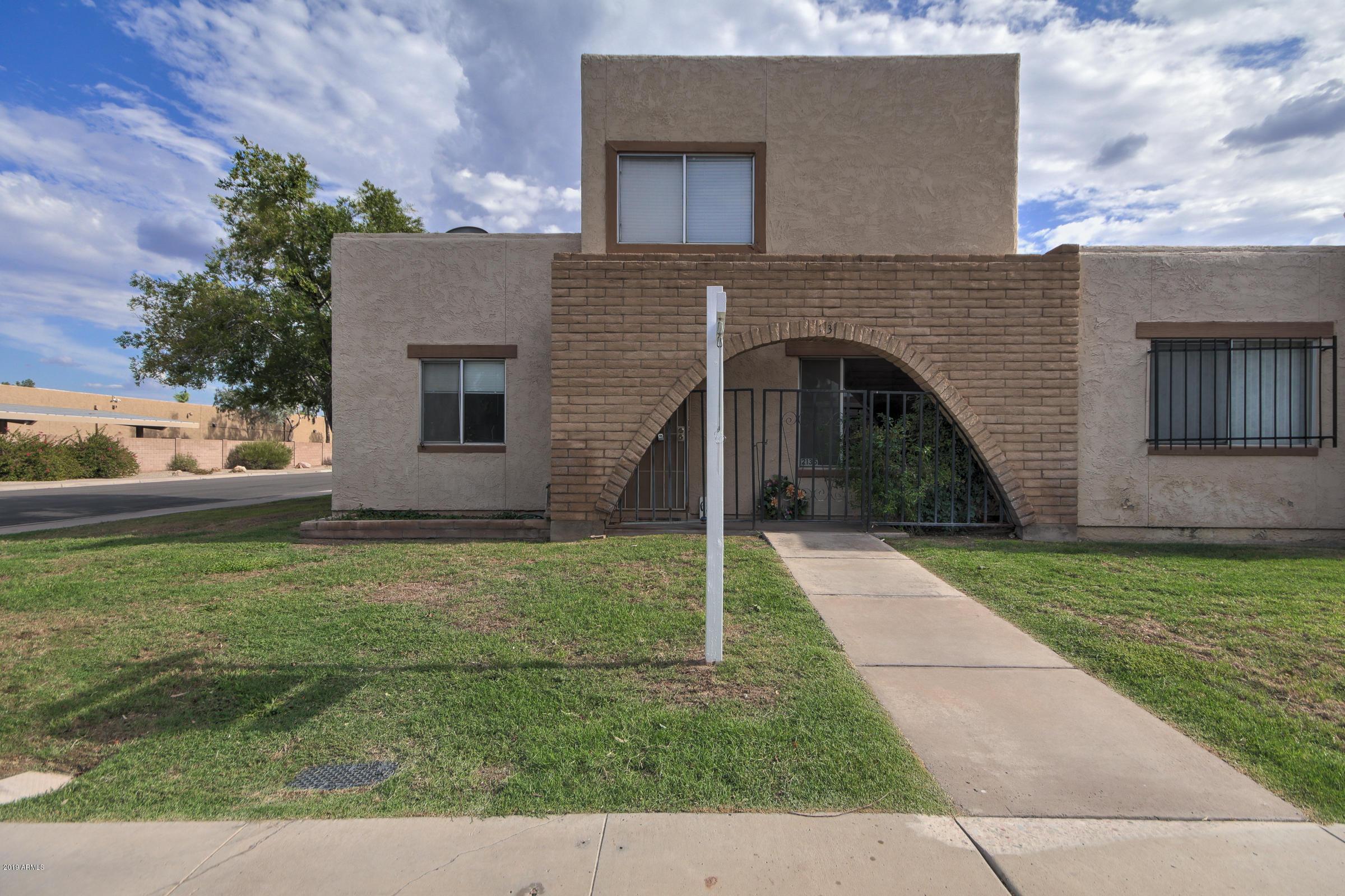 Photo of 2135 E DUNBAR Drive, Tempe, AZ 85282