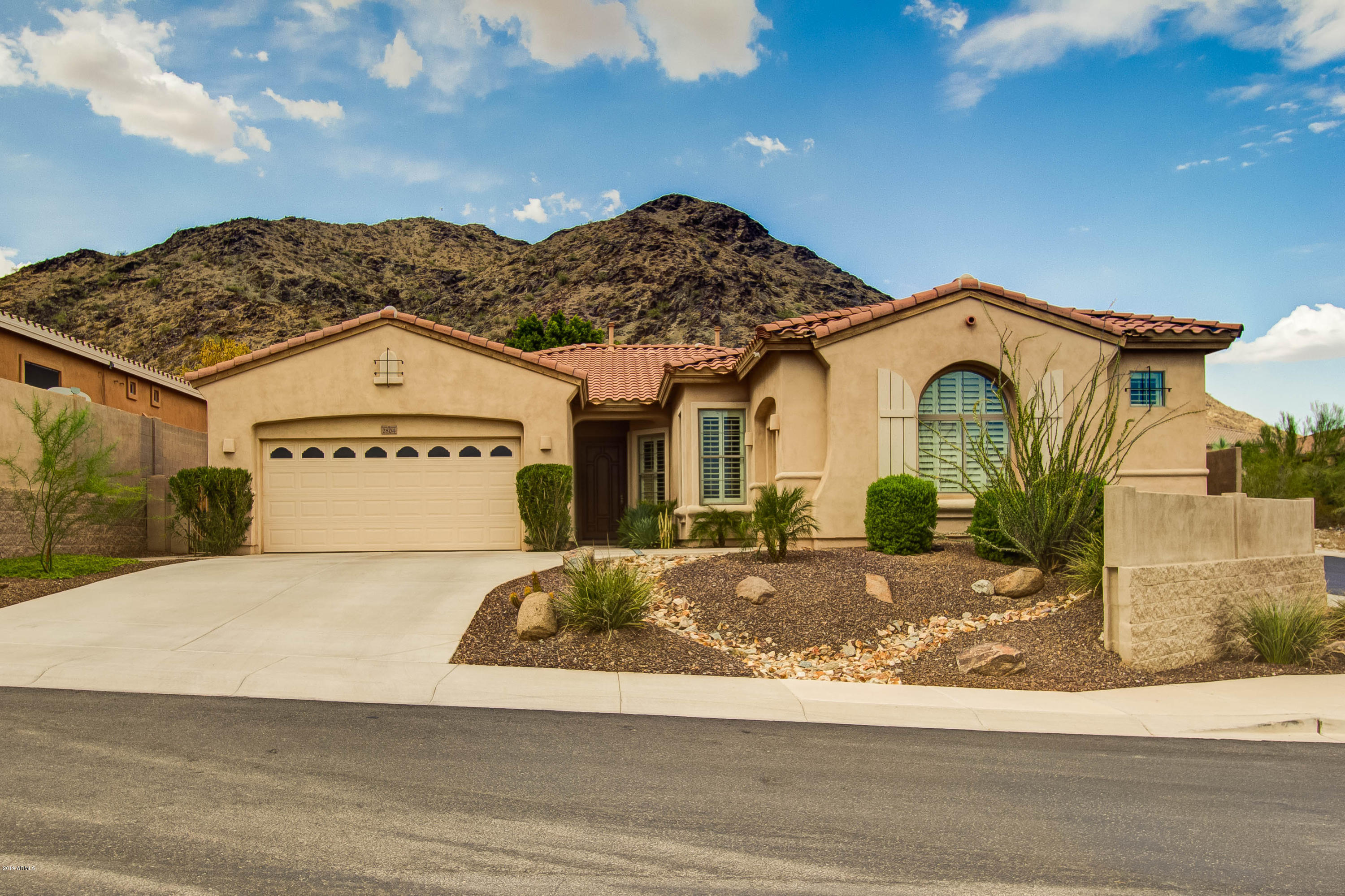 Photo of 2804 W SILVERWOOD WASH Drive, Phoenix, AZ 85045