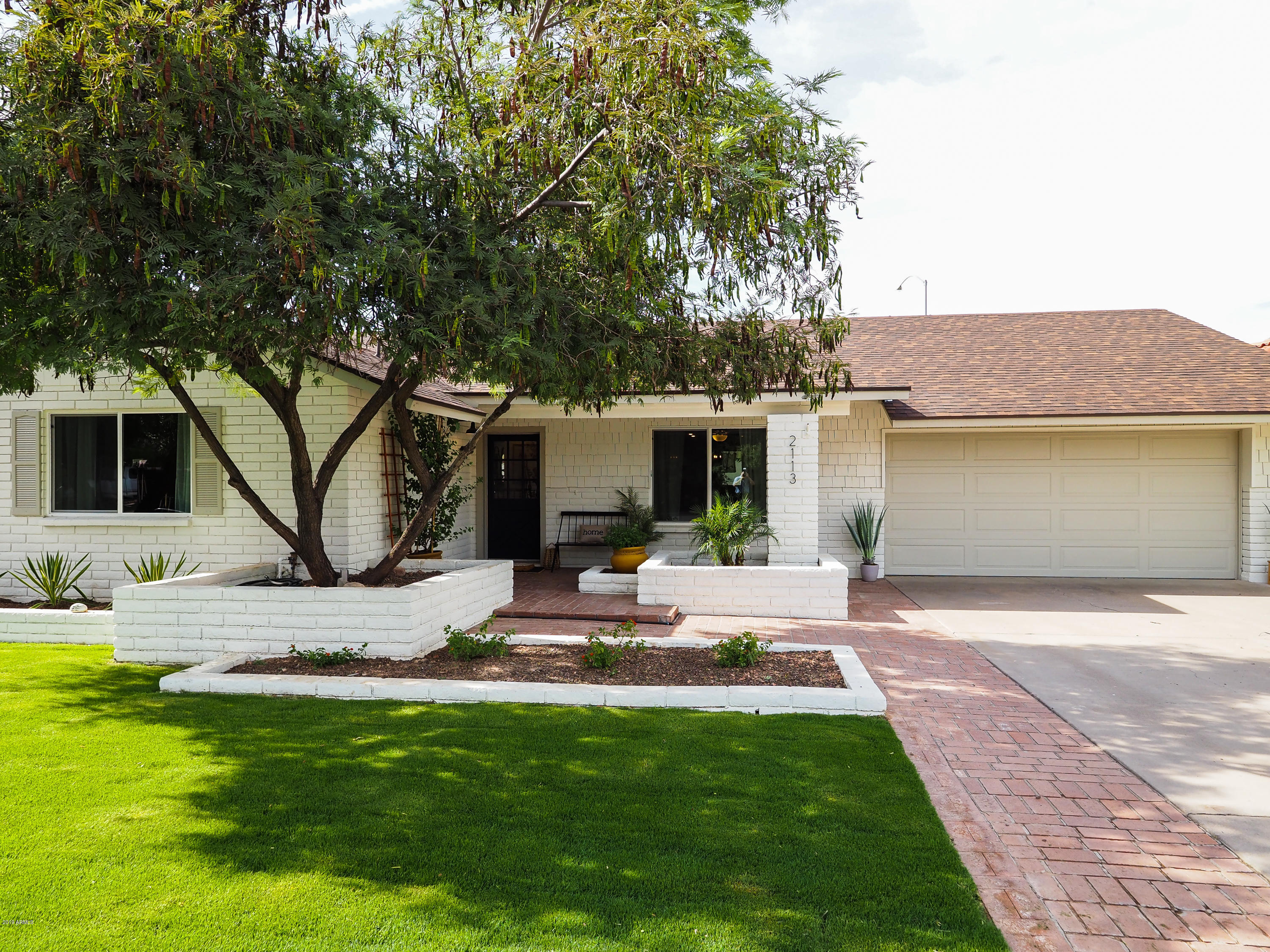 Photo of 2113 E KNOLL Circle, Mesa, AZ 85213