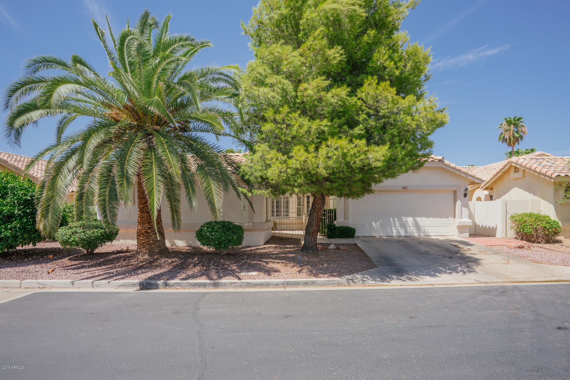 14258 W SHAWNEE Trail, Surprise, Arizona