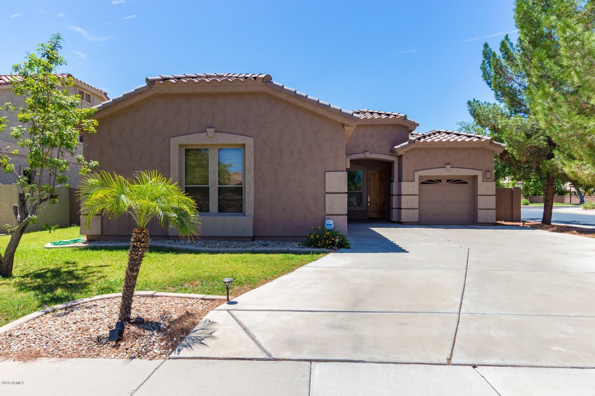 Photo of 311 W FLAMINGO Drive, Chandler, AZ 85286