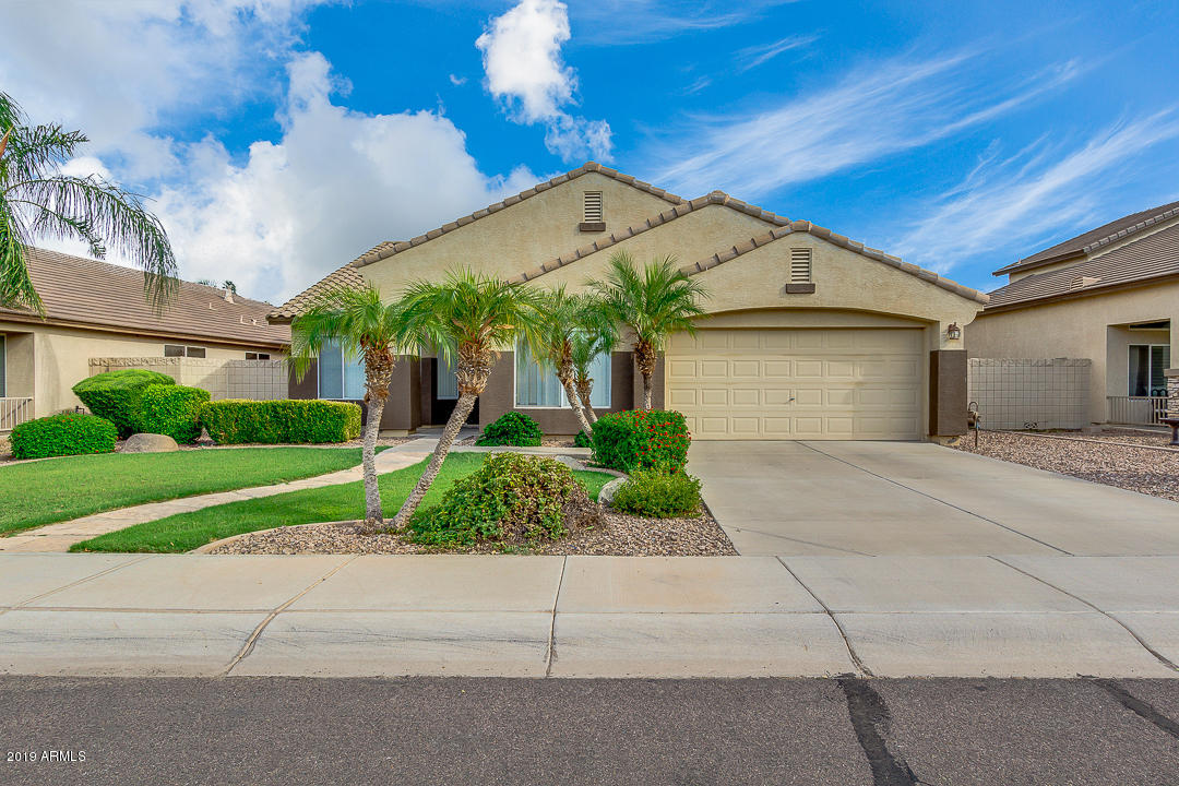 Photo of 3767 S SHILOH Way, Gilbert, AZ 85297