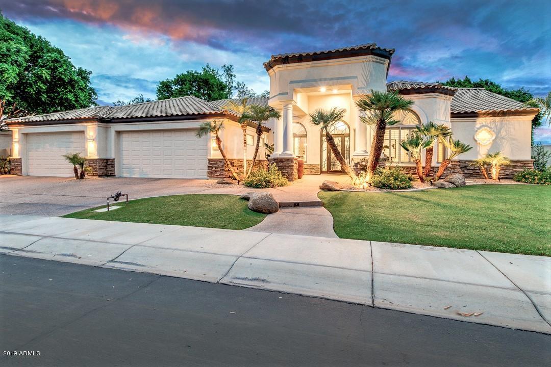 Photo of 3370 S HORIZON Place, Chandler, AZ 85248