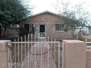 2740 E PORTLAND Street E, Phoenix, AZ 85008