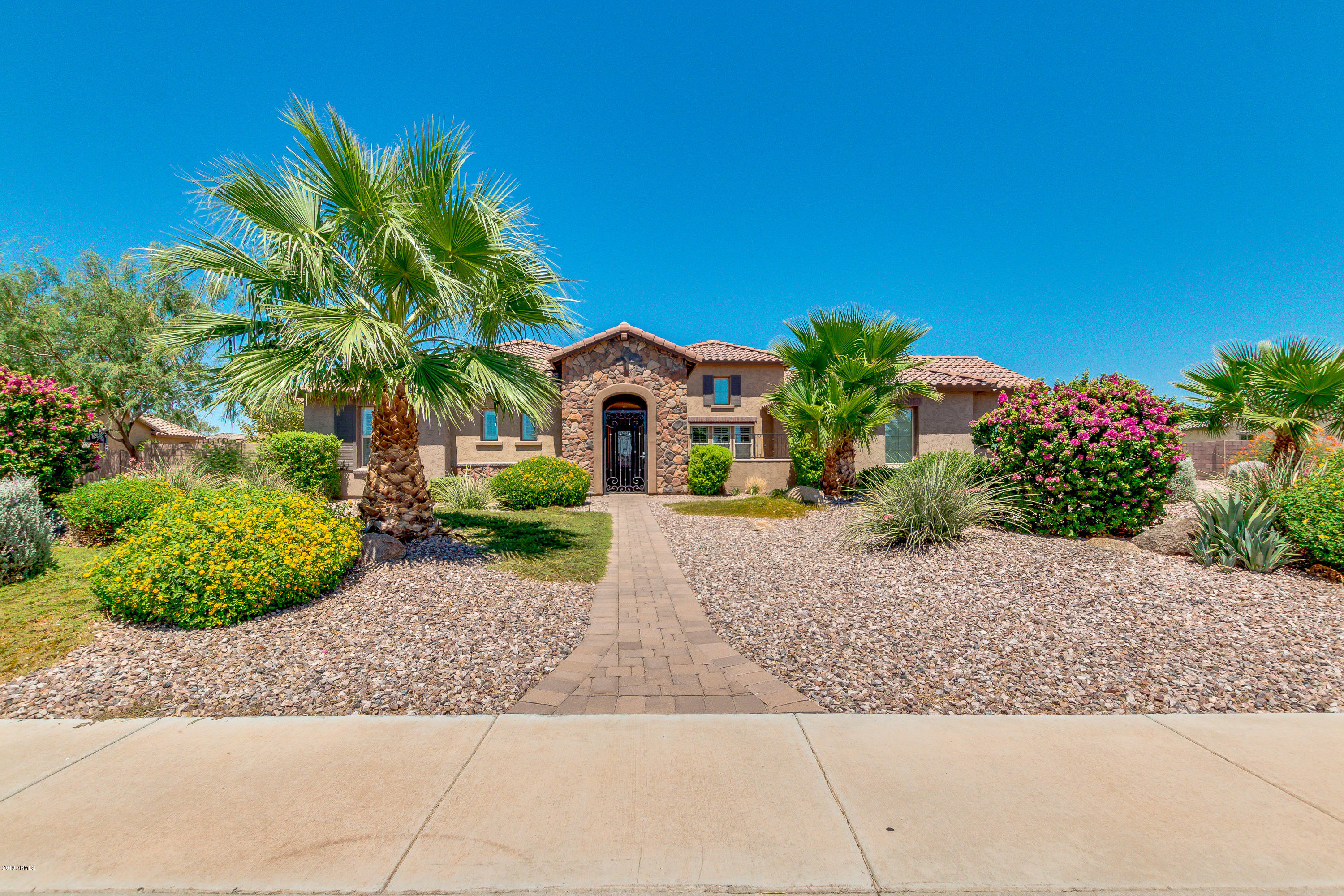 7270 W WHISPERING WIND Drive, Peoria, Arizona