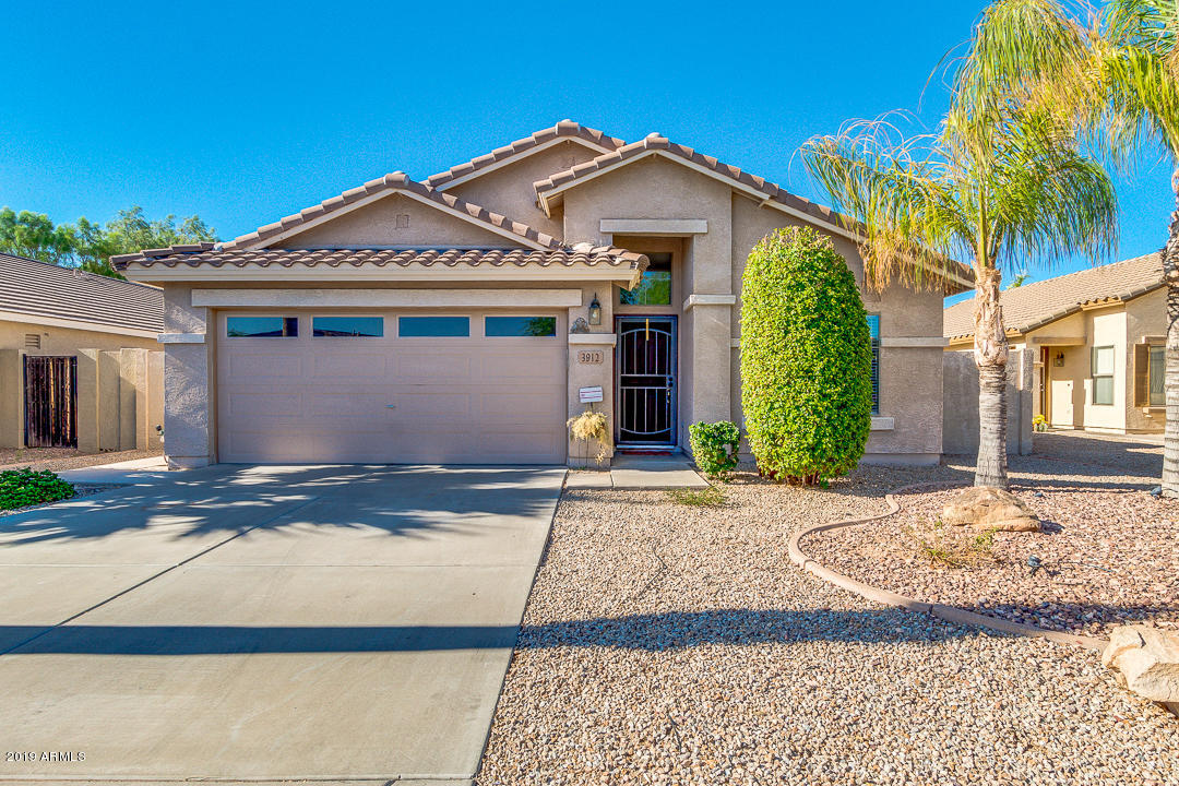 Photo of 3912 E LONGHORN Drive, Gilbert, AZ 85297