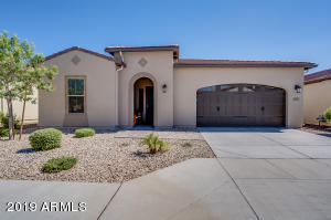 821 E LA PALTA Street, San Tan Valley, AZ 85140