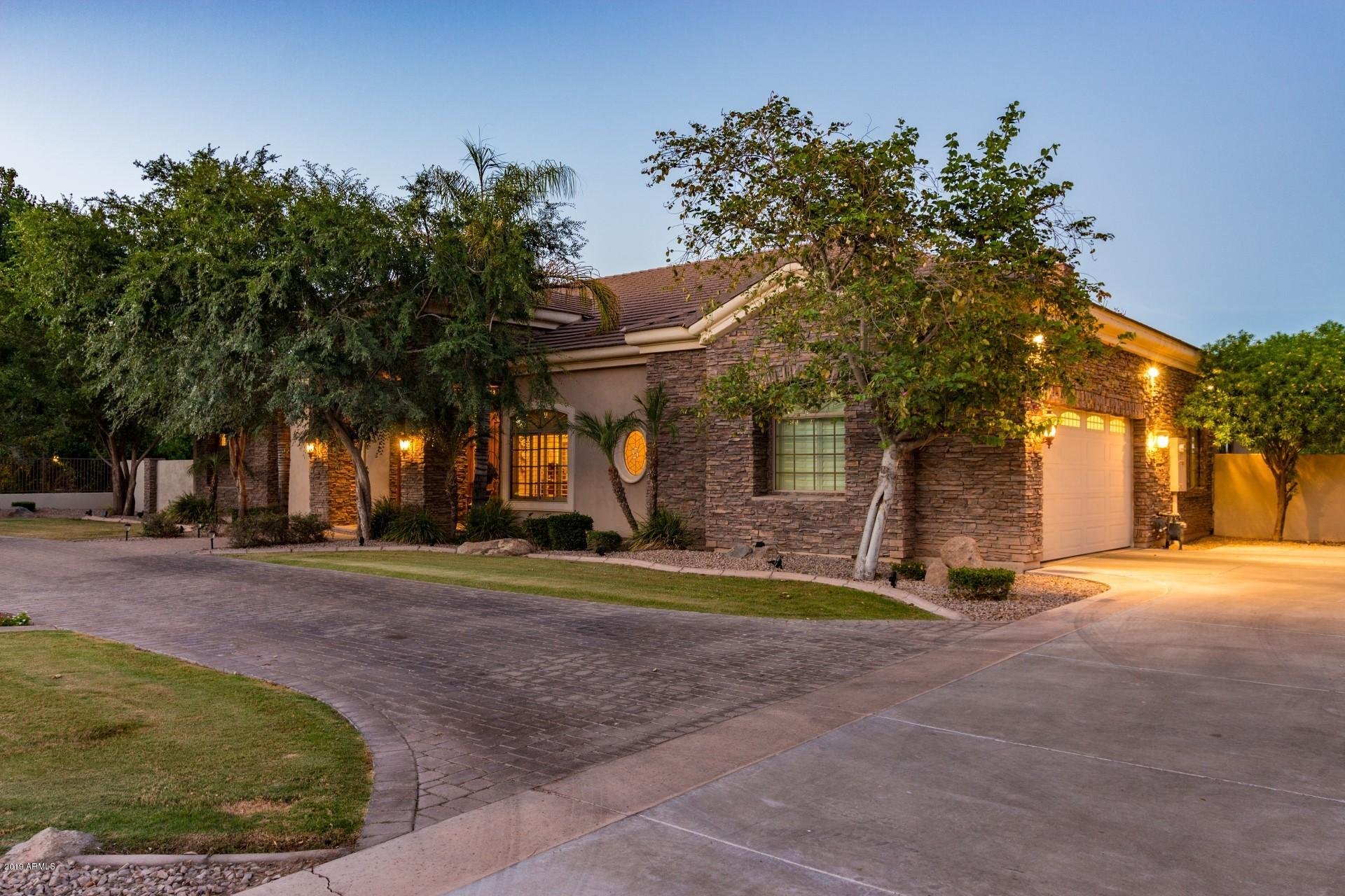 Photo of 51 N CORONADO Road, Gilbert, AZ 85234