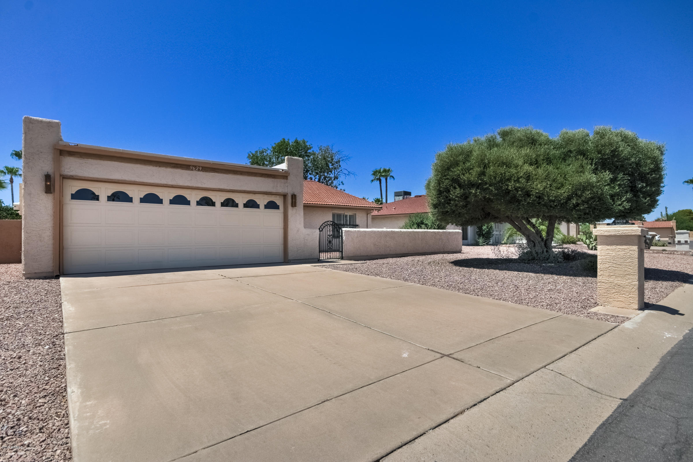 Photo of 9629 E SHERWOOD Way, Sun Lakes, AZ 85248