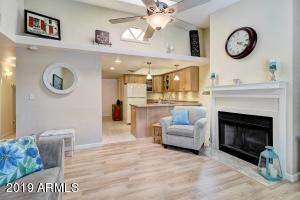2020 W UNION HILLS Drive, 118, Phoenix, AZ 85027