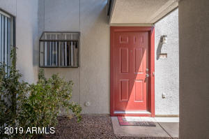 3405 W DANBURY Drive, D101, Phoenix, AZ 85053