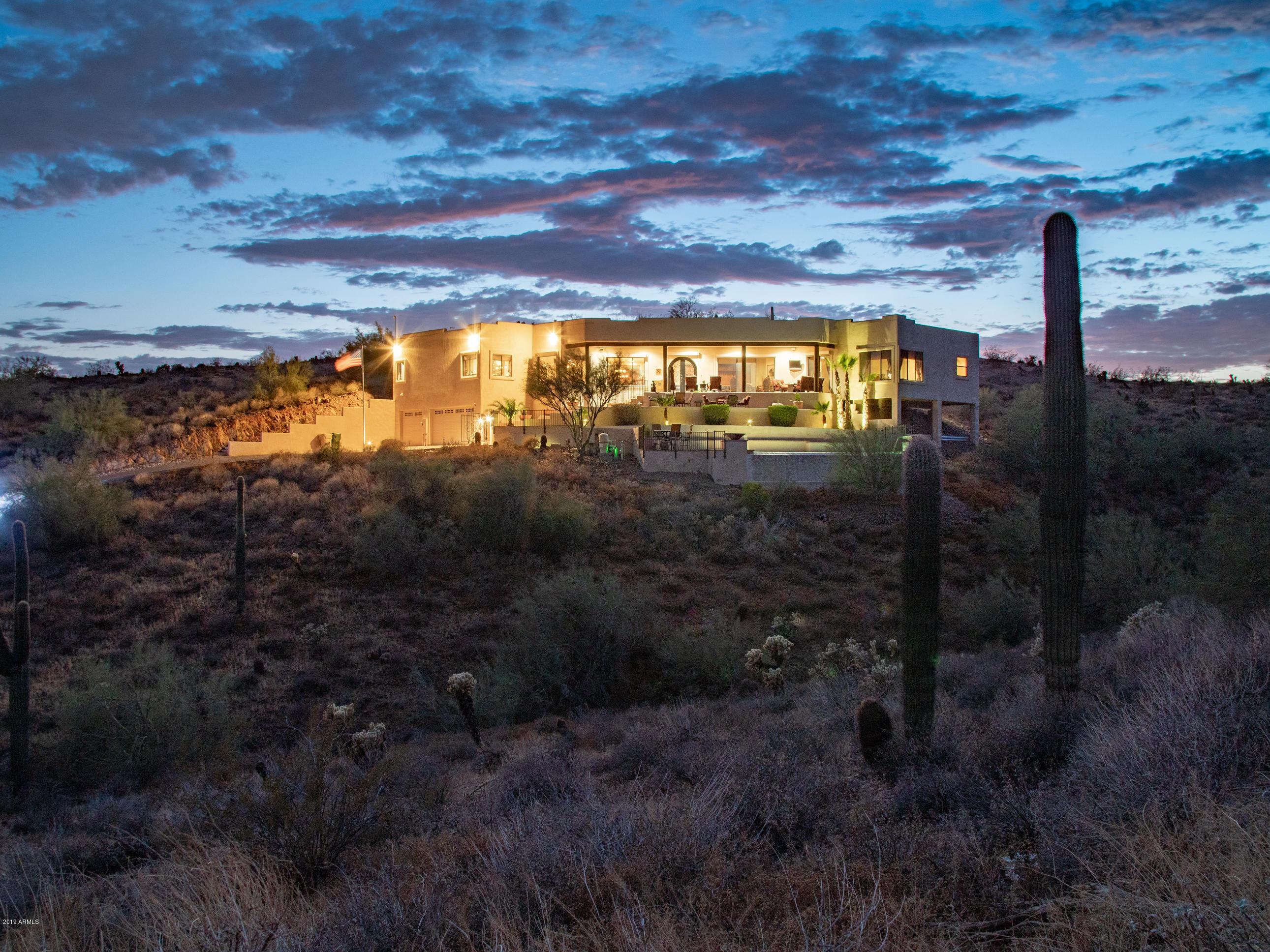 208 W BRILES Road, Deer Valley, Arizona