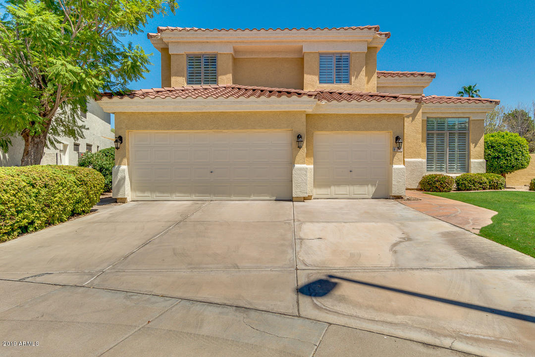 Photo of 883 N DATE PALM Drive, Gilbert, AZ 85234