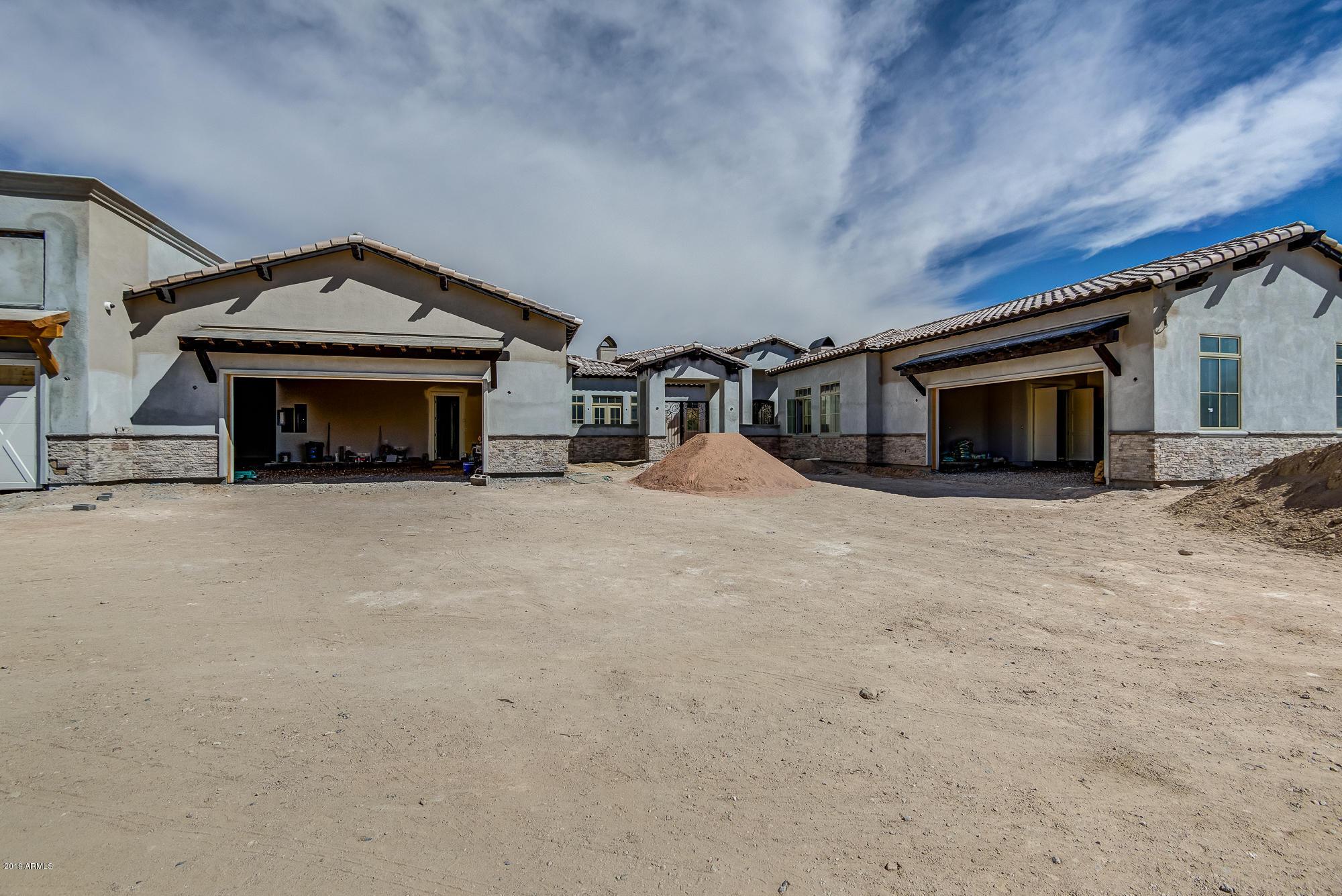 Photo of 10195 E SANTA CATALINA Drive, Scottsdale, AZ 85255